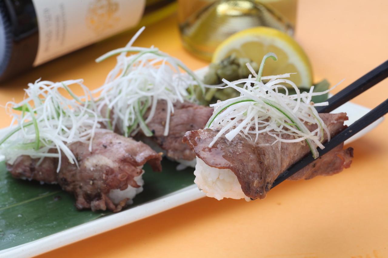 牛たん・旬菜 鈴の屋/道産牛たん元炙り寿司(5貫)